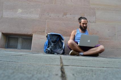 Zdjęcie główne #1368 - Wolisz freelancerkę niż działalność? Sporo na tym tracisz!