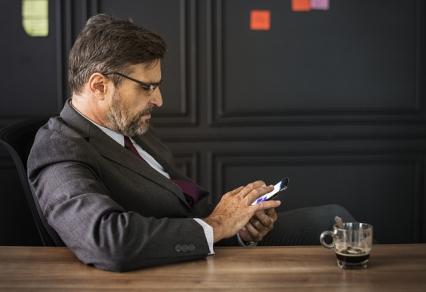 Zdjęcie główne #1369 - Pierwsze osobiste spotkanie z klientem: jak zrobić na nim świetne wrażenie?