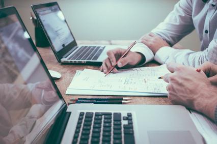 Zdjęcie główne #1378 - Siadasz do pisania biznesplanu? Zacznij od zdobycia niezbędnych informacji